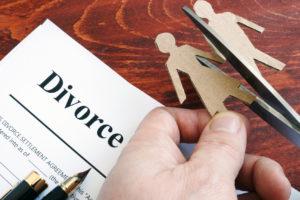 Divorce agreement concept for when needing a good divorce lawyer near me.