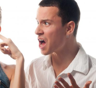 A young couple arguing and needing to start the divorce process with Chicago Divorce Attorney.